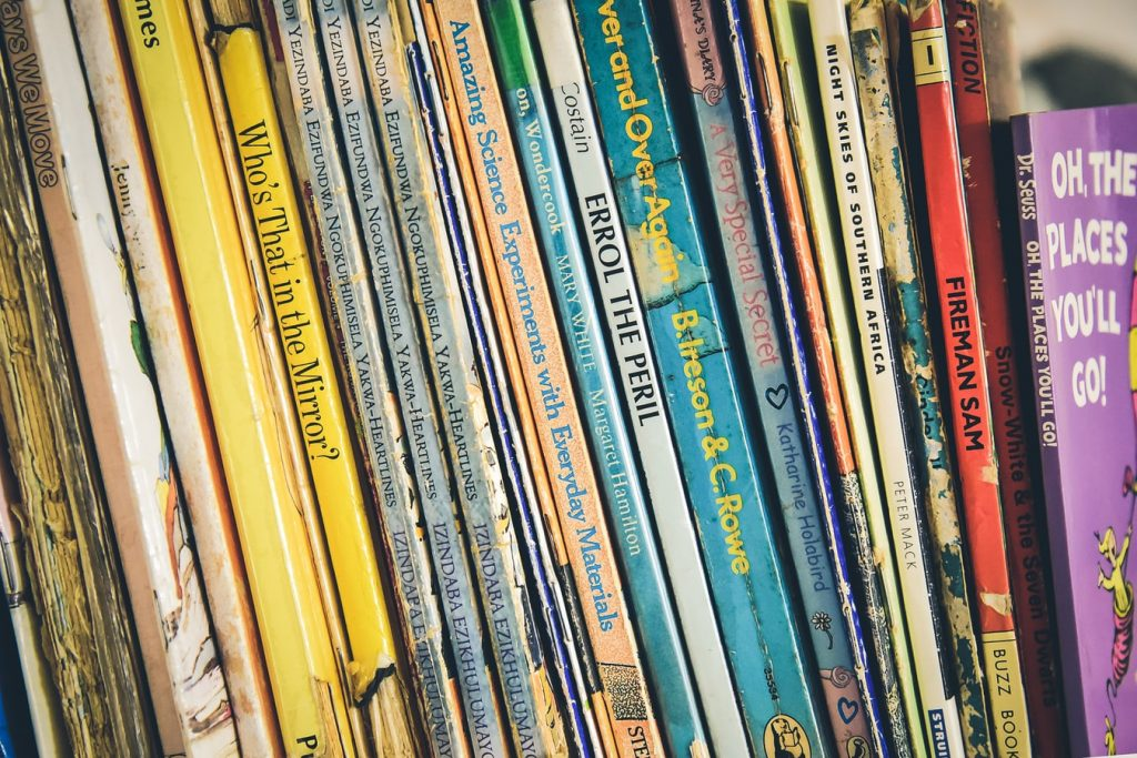 معرفی نه کتاب داستان برتر انگلیسی برای تقویت زبان